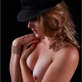 Debbie by Clifford Els - Nudes & Boudoir Artistic Nude