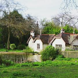 Cottage by Laura Giri - City,  Street & Park  City Parks ( #london #park #landscape #photooftheday )