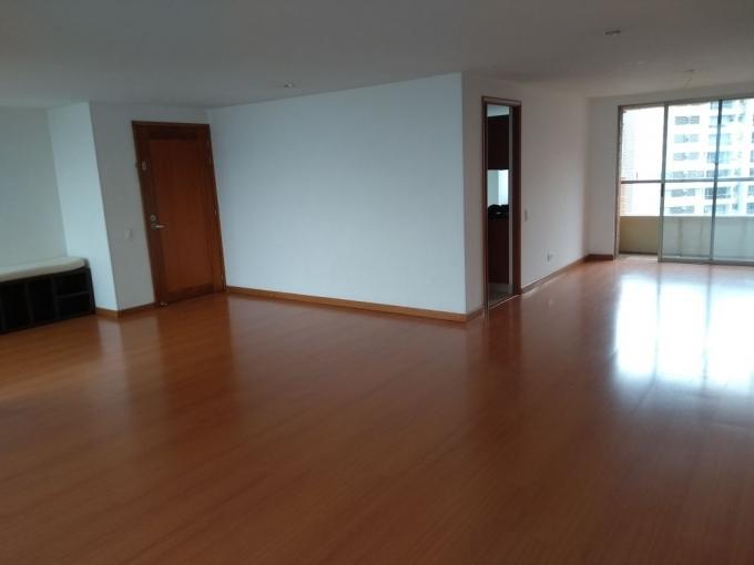 apartamento en arriendo los balsos 594-19984