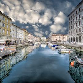 by Milan Jovanovic - City,  Street & Park  Historic Districts