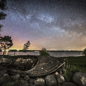 Old boat by Jocke Mårtensson - Landscapes Starscapes (  )