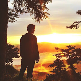 Rise and Shine  by Josh Swensen - Landscapes Sunsets & Sunrises ( #sunset #sunrise #goodmorning #hike #oregon #trees #mountains #clouds #beautiful )