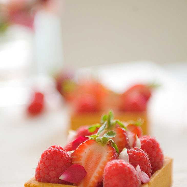 Fresh Berry Tart with Almond Cream and Fruit Preserves Recipe | Yummly