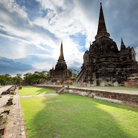 Afternoon in Ayutthaya by Frank Photography - Buildings & Architecture Public & Historical ( magic, afternoon, ayutthaya, tempel, historical, light )