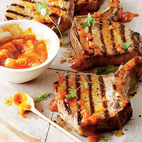 Pork Chops with Peach Jalapeno Sauce Recept | Yummly