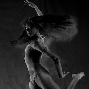 Jacyn in Motion by Drew Tarter - Black & White Portraits & People ( studio, artistic, back & white, motion, dance )