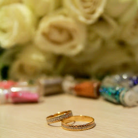 flower ring by Teguh Adi - Wedding Details ( ring, lovely, gold, circle, flower )