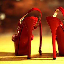 red high heel by Malik Artan - Artistic Objects Clothing & Accessories