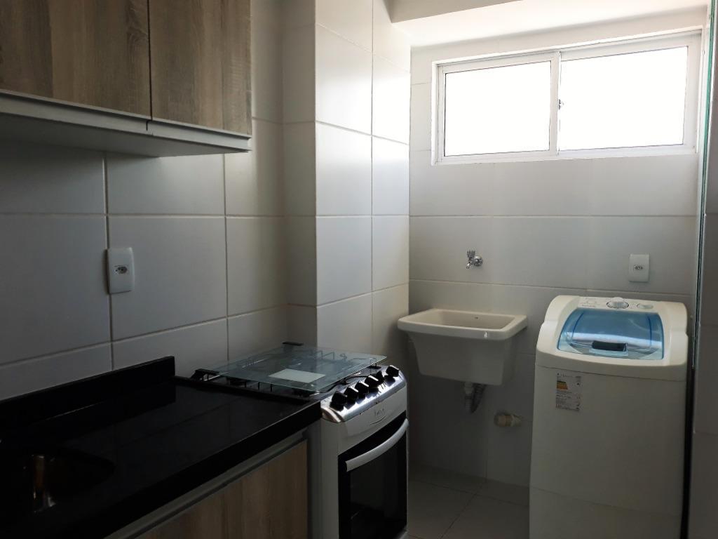 Apartamento com 3 dormitórios à venda, 99 m² por R$ 480.000