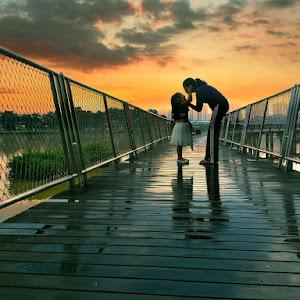 00.19. Kiss at the Deck_079.JPG