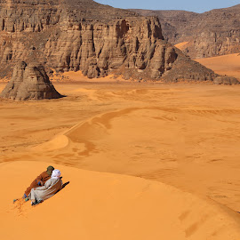 Nomadic Conversation by Omar Dakhane - Landscapes Deserts ( dunes, north africa, desert, nature, arab, tuareg, sahara desert, algeria, sahara, travel, landscape, africa )
