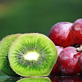 Kiwi n grape by Asif Bora - Food & Drink Fruits & Vegetables (  )