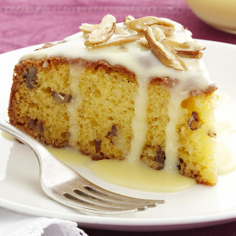 White Chocolate and Pecan Cake