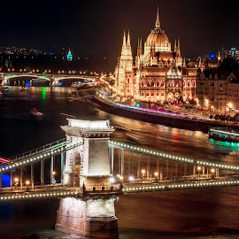 budapest at night by Mo Kazemi - Buildings & Architecture Other Exteriors ( budapest hungary, chain bridge, night, nightscape, cityscape, budapest, parliament, europe, hungary, architecture )