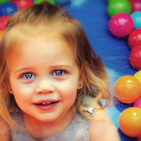 Bounce House Fun by Shaun Poston - Babies & Children Toddlers ( shaun poston, ball, blue, play, children, rhyme poston, spacewalk, house, fun, toddlers, bounce, eyes )