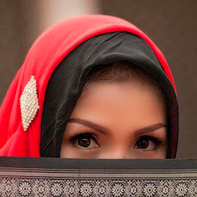 Woman & her veil by Ian Bismarkia - People Portraits of Women (  )