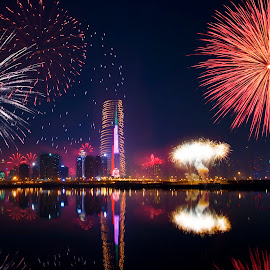 Dubai Fireworks by Saravanan Ramalingam - City,  Street & Park  Night ( sharan, sahana, dubai, colors, uae, fireworks, night, newyear, shrey, shrey jothi, city at night, street at night, park at night, nightlife, night life, nighttime in the city )
