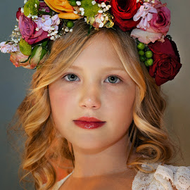 Look at the camera by Andrija Vrcan - Babies & Children Child Portraits ( look, beauty )