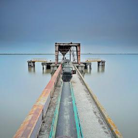 Lost... by Rui Catarino - Buildings & Architecture Bridges & Suspended Structures ( way, sea, long exposition, bridges, sobralinho )