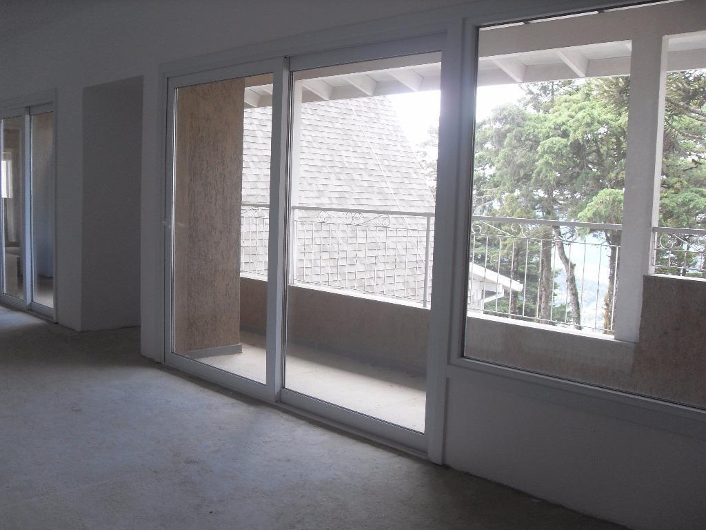 Apartamento de 4 dormitórios em Centro, Gramado - RS