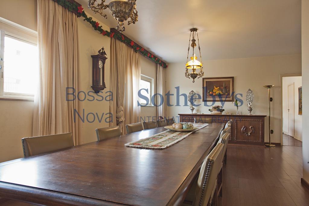 Casa muito agradável para modernizar