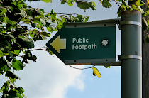 Public footpath, Bellingdon