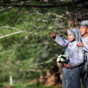 Wedding Couple by Mizey Slumber - Wedding Bride & Groom