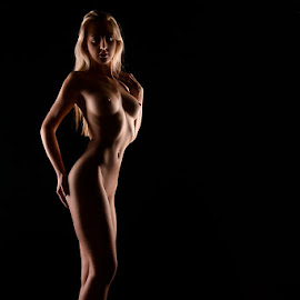 Miss CvZ by Peter Driessel - Nudes & Boudoir Artistic Nude