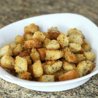 How to Make Seasoned Croutons