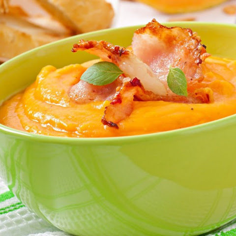 Creamy Pumpkin and Bacon Soup