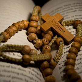 Wood prayer beads by Sergio Yorick - Artistic Objects Other Objects ( religion, wood, object, artistic objects, antique )