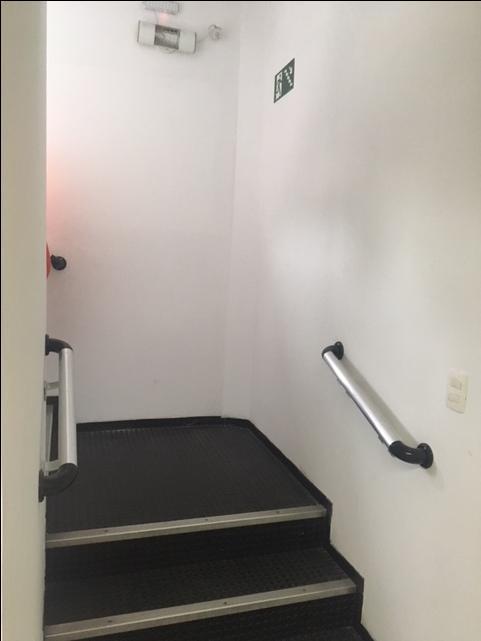 Acesso p/ escadas