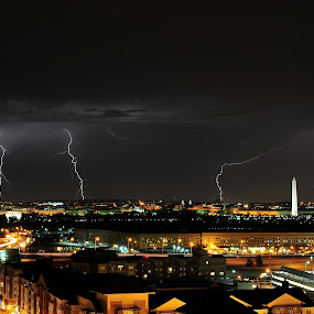 Lightning in Washington D.C. by Diana Garbacauskiene - Landscapes Weather