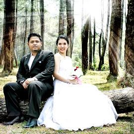 Love is beautiful by Iqbal Gautama - Wedding Bride & Groom ( love, canon, indonesia, bandung,  )