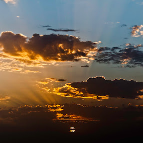 Folow the rays by Hirian Raul - Landscapes Weather ( clouds, ray, sunset, light, evening, sun, pwcredscapes )