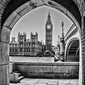 Under the bridge by Alexandre Rios - Black & White Buildings & Architecture ( urban exploration, england, london, black and white, big ben, street photography,  )