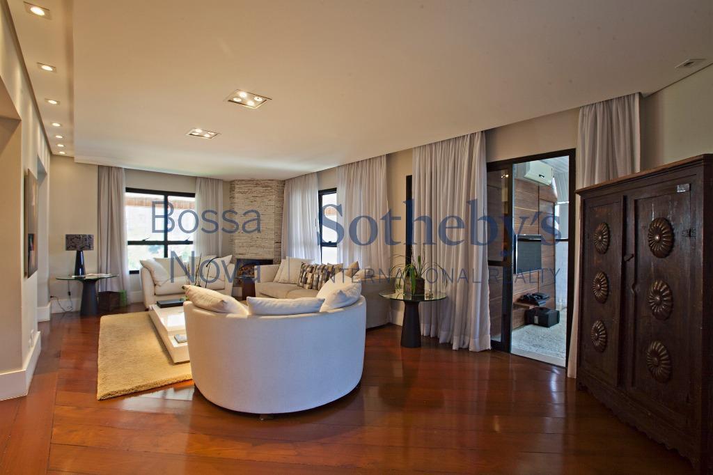 Impecável apartamento duplex próximo ao parque Burle Marx