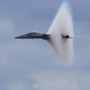 f-18_vapor.jpg