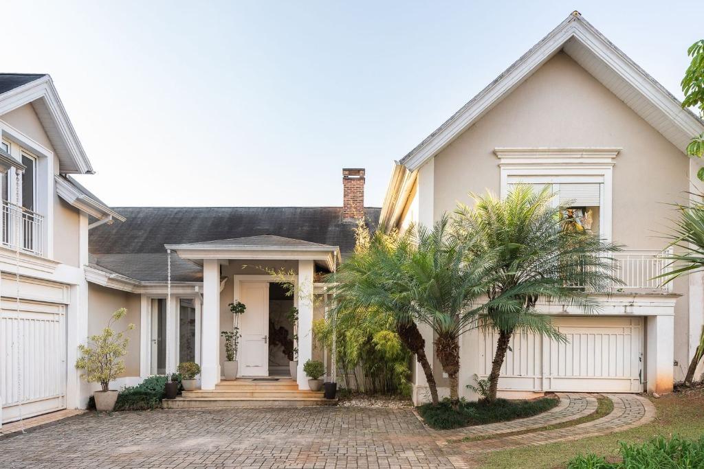 Residência fabulosa em Jundiai, condomínio fechado, em um terreno imenso, com quadra de tênis e lago privativo,