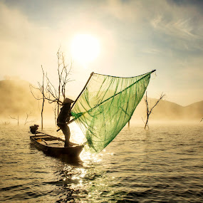 by Kenji Le - People Street & Candids ( water, tree, fog, fishing )