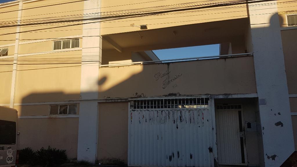 Apartamento com 2 dormitórios para alugar, 71 m² por R$ 450/mês - Universitário - Uberaba/MG