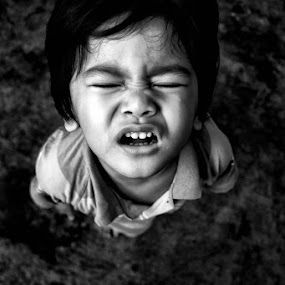 don't cry for the world by Airul Hidayat - Babies & Children Child Portraits