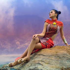 Pasir Berbisik by Nanto 사파이어 - People Portraits of Women ( pasir berbisik, false color, mount, woman, beautiful, east java, beauty, bromo )