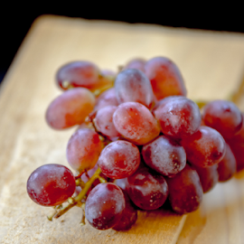 Red Grapes by Tina Hailey - Food & Drink Plated Food ( grapes, food, tina's captured moments, red grapes,  )