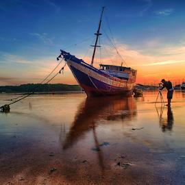 .:: single pose ::. by Setyawan B. Prasodjo - Transportation Boats