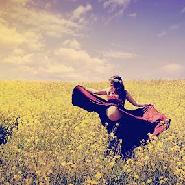Joy by Elisabeth Magnussen - People Maternity ( landcape, maternity, warm, hippie, joy, summer )