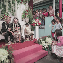 Everyone is happy by Eka Edy - Wedding Other ( #humaninterest #hi #groom #happyness #wedding )