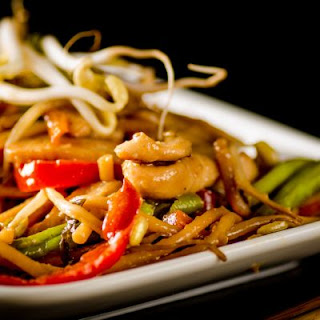 Slow-Cooked Chicken Lo Mein