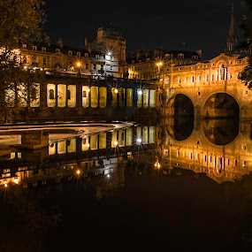 Pulteney Bridge, Bath, UK by Jennifer Tsang - Buildings & Architecture Bridges & Suspended Structures ( uk, bath, pulteney bridge, bridge, nightscape, night, lights, city, city at night, street at night, park at night, nightlife, night life, nighttime in the city )