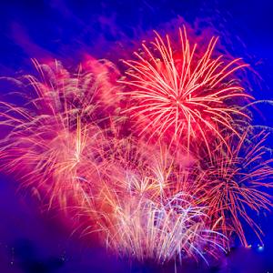 2051 jpg. Firework Jul-4-17-2051.jpg